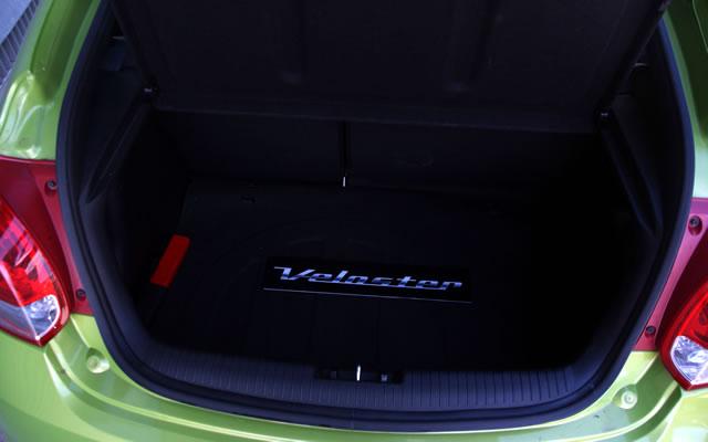 Hyundai Veloster - bagażnik
